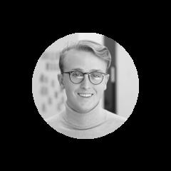 Alex Chénier est convaincu que la force d'une organisation passe par sa capacité de mettre ses employées au premier plan. Tout juste diplômé de la Faculté de gestion de l'Université McGill, il s'est joint à Juniper pour appuyer les entreprises qui cherchent à améliorer leurs stratégies et leurs structures liées à la gestion des talents. Avant de se joindre à l'équipe, Alex a travaillé en marketing chez Walter où il était principalement chargé de la création de campagnes promotionnelles et de la gestion d'un site de commerce électronique.