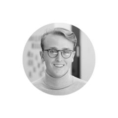 Alex Chénier est convaincu que la force d'une organisation passe par sa capacité de mettre ses employées au premier plan. Diplômé de la Faculté de gestion de l'Université McGill, il s'est joint à Juniper pour appuyer les entreprises qui cherchent à améliorer leurs stratégies et leurs structures liées à la gestion des talents. Avant de se joindre à l'équipe, Alex a travaillé en marketing chez Walter où il était principalement chargé de la création de campagnes promotionnelles et de la gestion d'un site de commerce électronique.