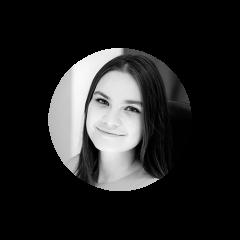 Consultante senior chez Juniper, Jade Vaillancourt se spécialise dans les transformations culturelles. Elle aide ses clients à développer diverses capacités et leur permet d'embaucher et de former les talents nécessaires pour s'adapter et prospérer dans le monde volatile d'aujourd'hui. Elle a aidé ses clients à bâtir des équipes dynamiques, dotées de compétences en leadership et ayant le courage de remettre en question le statu quo, permettant ainsi des changements organisationnels durables et efficaces. Jade est passionnée par la conception de méthodes d'apprentissage, ce qui l'a amenée à cofonder une plateforme éducative en ligne en 2016. Elle agit également à titre de mentor auprès d'entrepreneurs en herbe et donne des conférences et des ateliers à divers organismes sur l'application des concepts du design thinking à l'entrepreneuriat et au leadership.